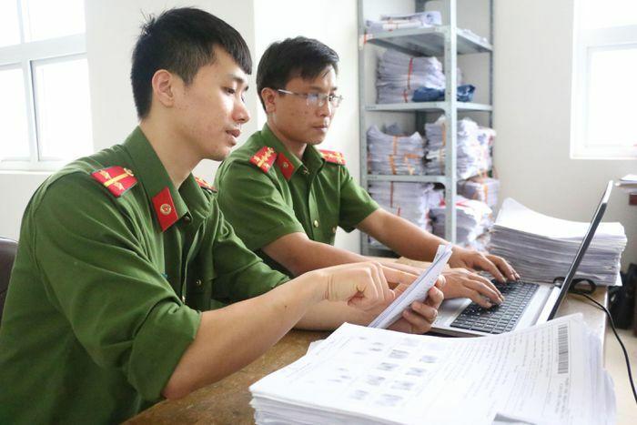 Công an Quảng Yên: Nỗ lực thực hiện cấp CCCD gắn chíp điện tử