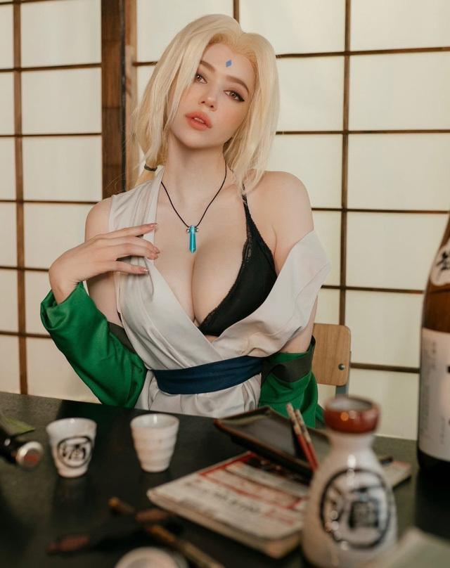 Naruto: Ngắm cosplay đệ ngũ Tsunade mà CĐM bối rối thốt lên