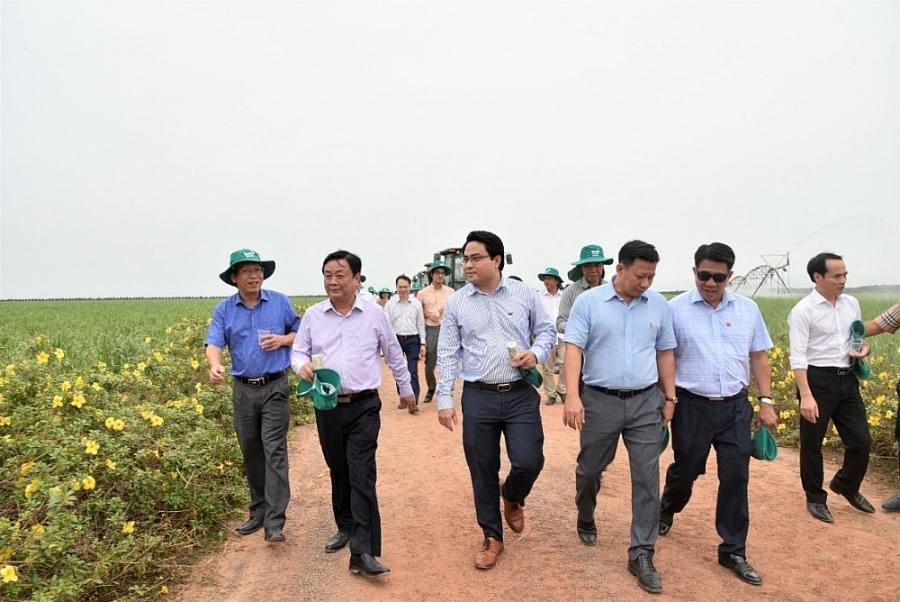 Bộ trưởng Nông nghiệp & Phát triển Nông thôn: Thăm Nông trường Thành Long tại tỉnh Tây Ninh