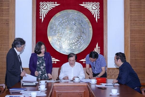 Học viện Múa Việt Nam: Hoàn thành thiết kế các mẫu phôi bằng, bằng tốt nghiệp trung cấp chuyên nghiệp