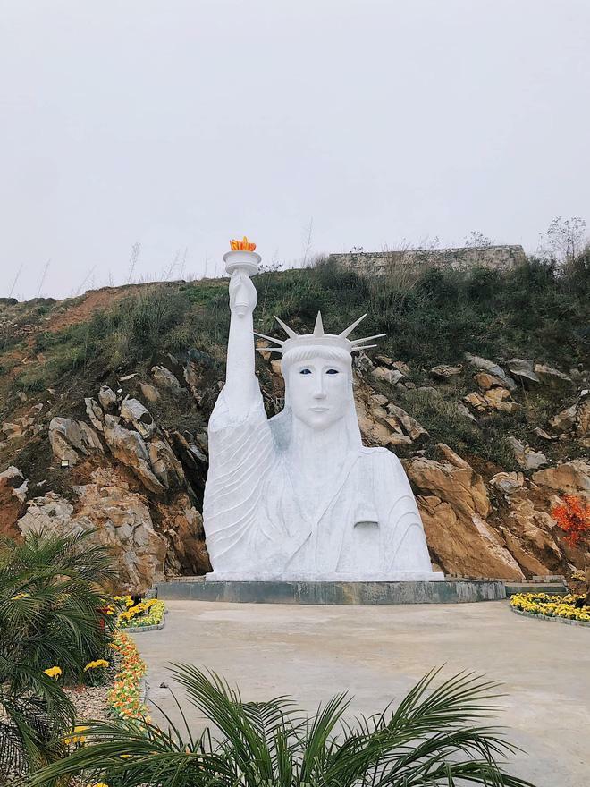 Chủ tượng Nữ thần Tự do phiên bản 'đột biến' ở Sa Pa lên tiếng