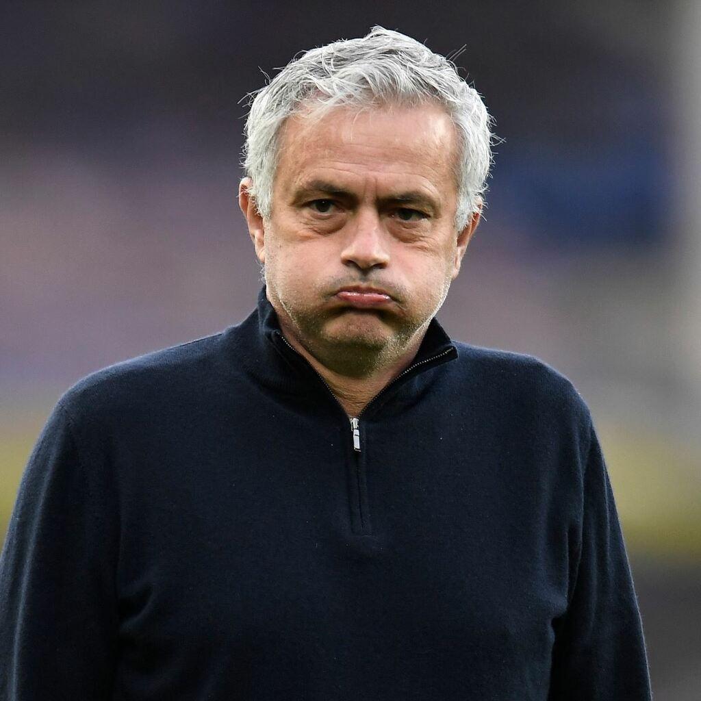 NÓNG: Tottenham sa thải Mourinho trước thềm Chung kết Cúp Liên đoàn Anh