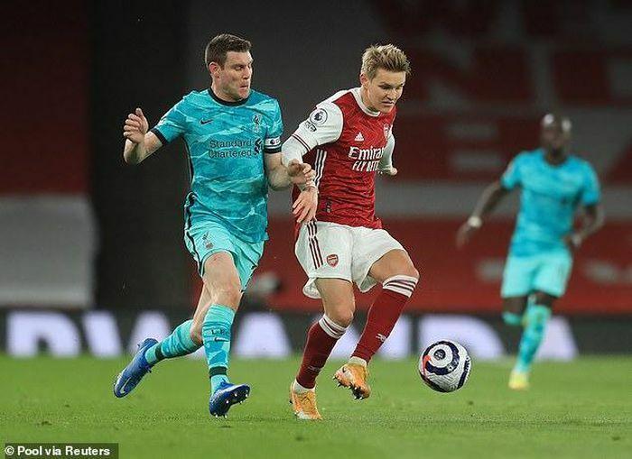 """Lữ đoàn đỏ hồi sinh, Liverpool """"nghiền nát"""" Arsenal ngay tại Emirates"""