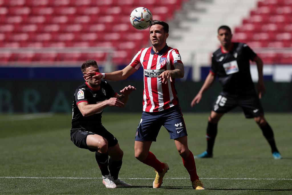 MU tranh Saul Niguez, Tottenham ký Boateng