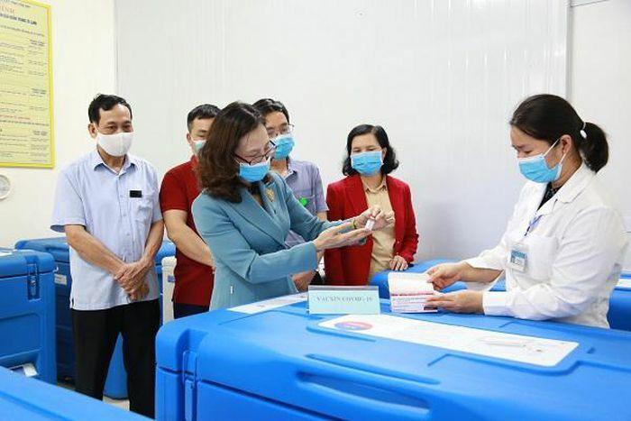 Yên Bái tiếp nhận 4.500 liều vắc xin AstraZeneca
