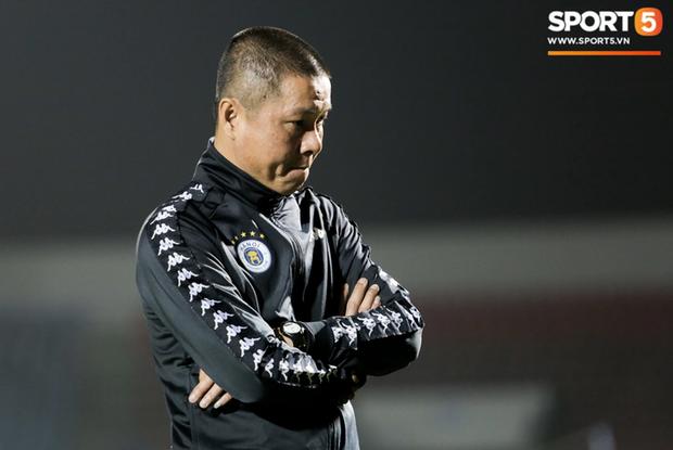 """Hà Nội FC tiết lộ thông tin """"độc"""" vụ thay thế HLV trưởng Chu Đình Nghiêm"""