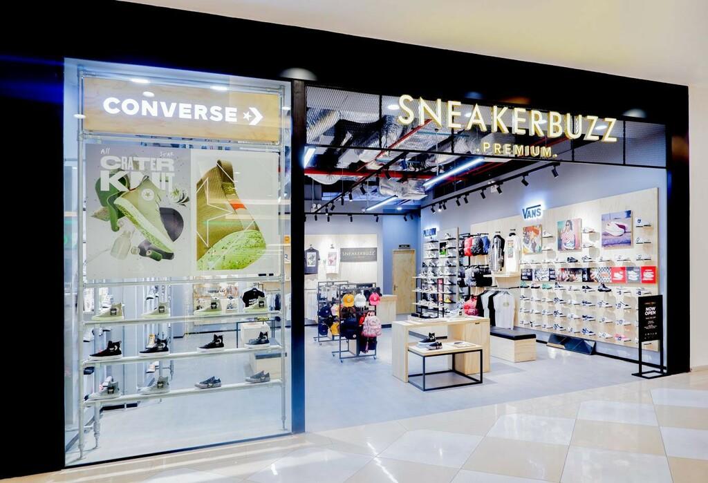 """Khám phá ngay không gian mua sắm """"sang xịn mịn"""" Premium Store của Sneaker Buzz vừa chính thức có mặt tại Hà Nội"""