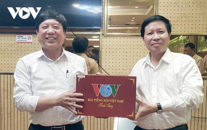 Công đoàn Đài TNVN giao lưu bóng đá với Công đoàn Đại học Bách khoa Hà Nội