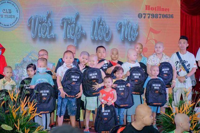Câu Lạc bộ Tứ Thiện gây quỹ hỗ trợ viện phí cho trẻ em bệnh ung thư