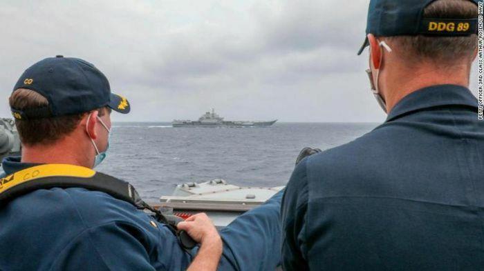 Mỹ – Trung cùng triển khai tàu sân bay ở Biển Đông khi căng thẳng leo thang