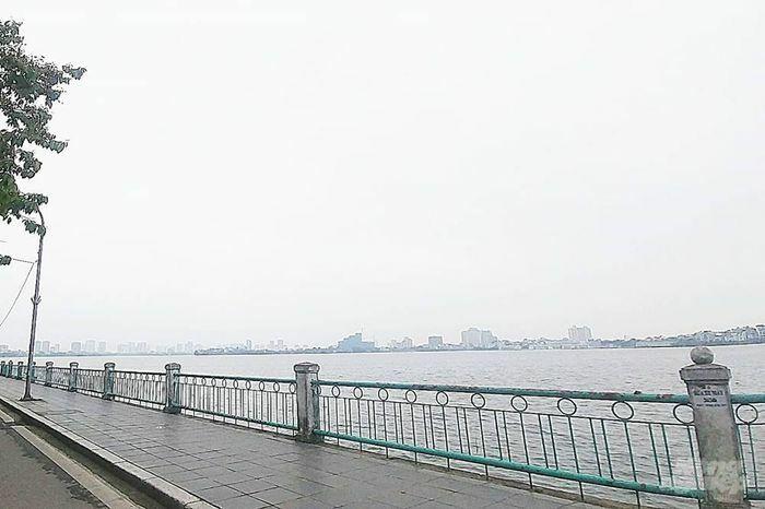 Dự báo thời tiết hôm nay 11/4: Hà Nội tiếp tục có mưa và sương mù