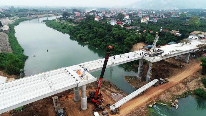 Bắc Giang: Hợp long cầu Chũ