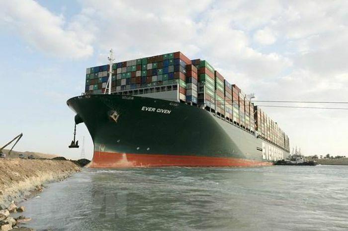 Ai Cập mong đợi khoản bồi thường 1 tỷ USD cho vụ tắc kênh đào Suez
