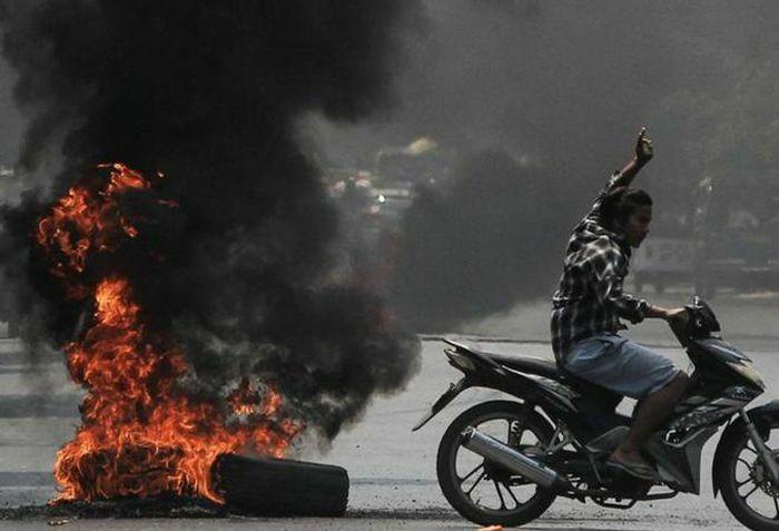 Ít nhất 20 binh sĩ Myanmar thiệt mạng sau vụ đụng độ với phiến quân