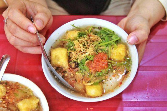 Chỉ 50.000 đồng thôi có thể ăn vặt các món rất ngon ở Hà Nội