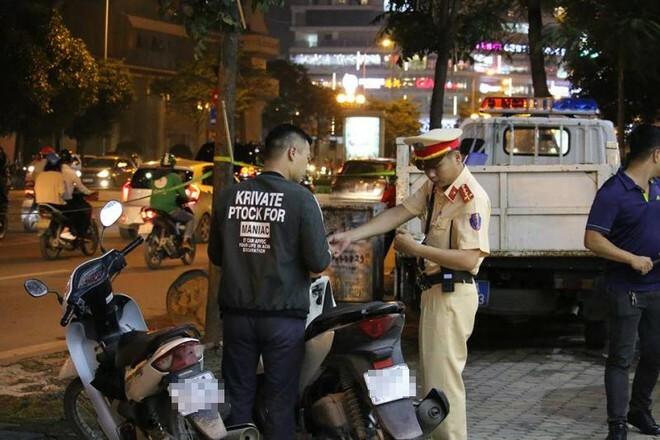Xử lý nghiêm hành vi rao bán giấy phép lái xe giả công khai trên mạng xã hội