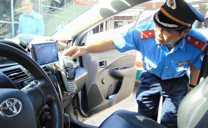 """Hà Nội: Ẩn họa nghìn xe khách """"trốn"""" truyền dữ liệu giám sát hành trình"""