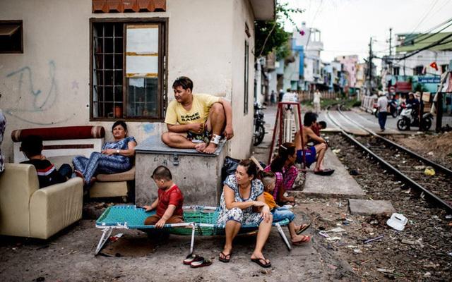 Dòng người di cư đem lại lợi ích và hệ lụy gì cho nơi họ đến?