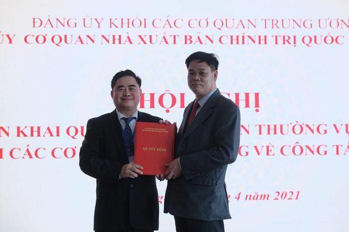 Chuẩn y chức vụ Bí thư Đảng ủy cơ quan Nhà xuất bản Chính trị quốc gia Sự thật