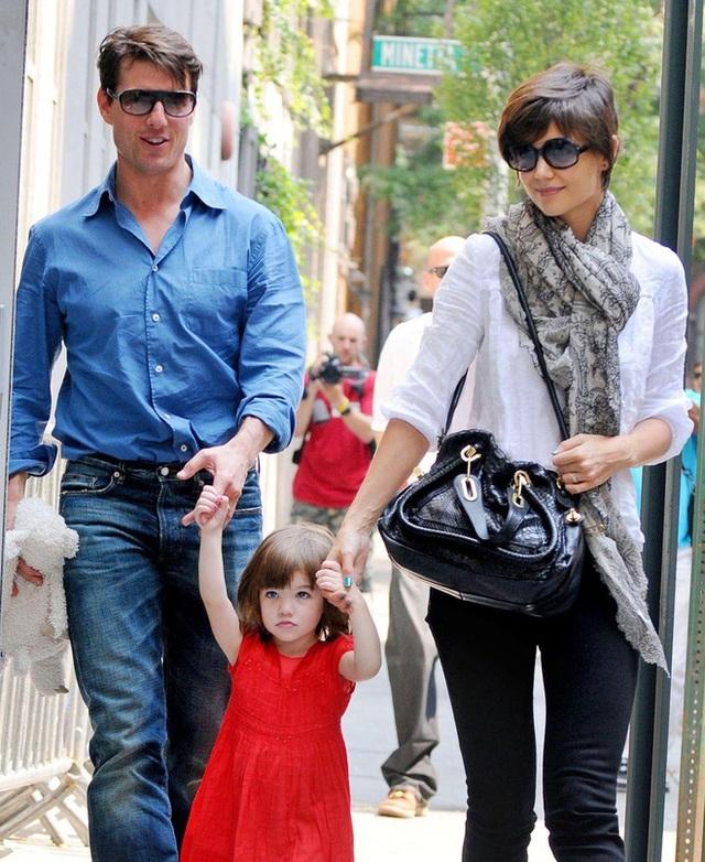 Con gái tài tử Tom Cruise xinh xắn, phổng phao ở tuổi 15