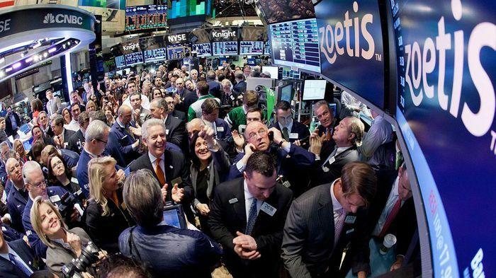 Cổ phiếu công nghệ đưa S&P 500 vượt 4.000 điểm lần đầu tiên trong lịch sử