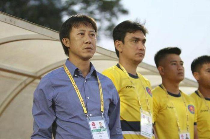 """Huấn luyện viên Nguyễn Thành Công nhận lời """"cứu"""" Hồng Lĩnh Hà Tĩnh"""