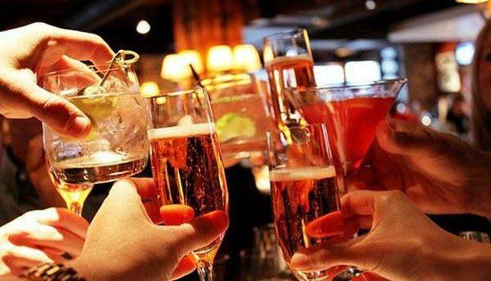 Quảng cáo thuốc lá, rượu có nồng độ cồn từ 15 độ trở lên có thể bị phạt tới 70 triệu đồng