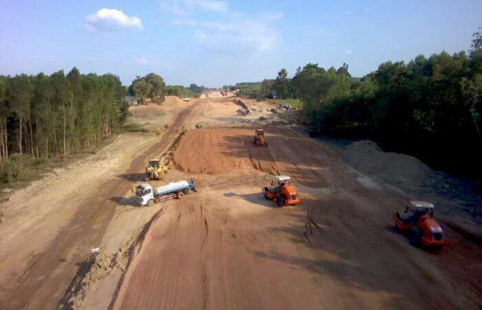 Không chấp nhận dự án giao thông chậm tiến độ
