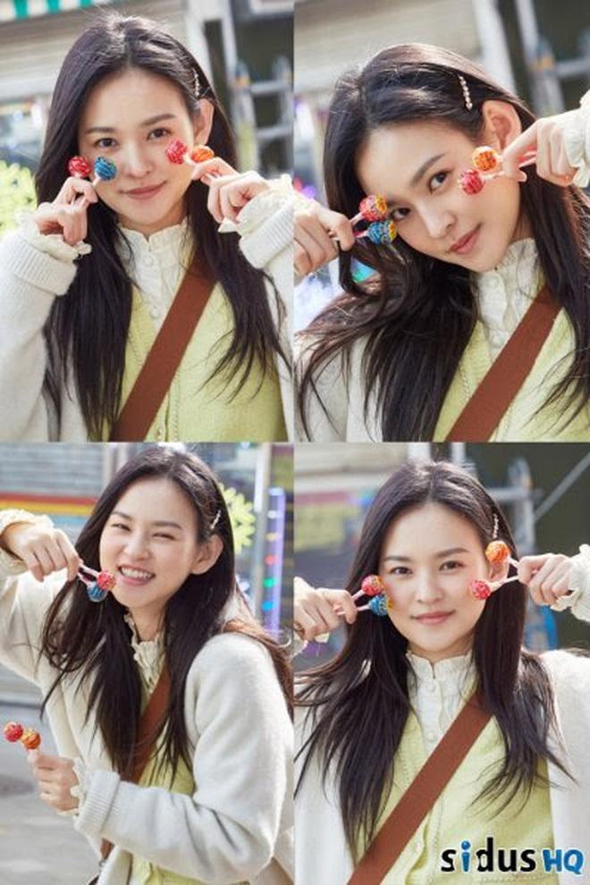 Nữ phụ trong phim của Song Joong Ki khiến fan sửng sốt với làn da phát sáng: Ngày nào cũng lặp lại 4 bước này để ngăn lão hóa