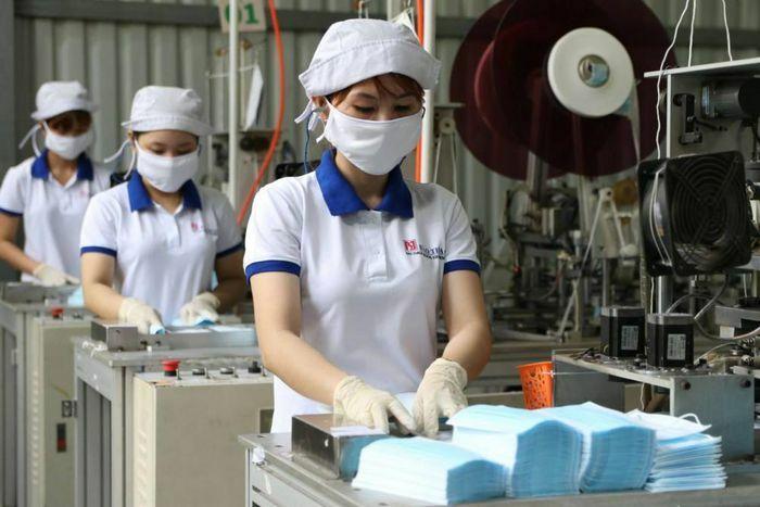 Xuất khẩu ngày 13-16/4: Khẩu trang y tế xuất khẩu tăng vọt; giá gạo Việt vượt Thái Lan; tín hiệu vui từ EVFTA