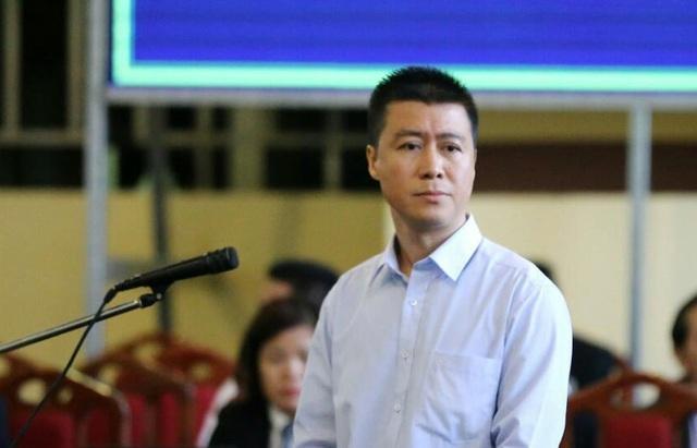 """Bị đốc thúc nộp tiền thi hành án, """"trùm cờ bạc"""" Phan Sào Nam """"ra điều kiện"""""""