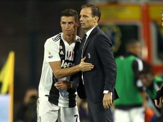 Trước khi rời Juventus, Allegri nói phũ về Ronaldo