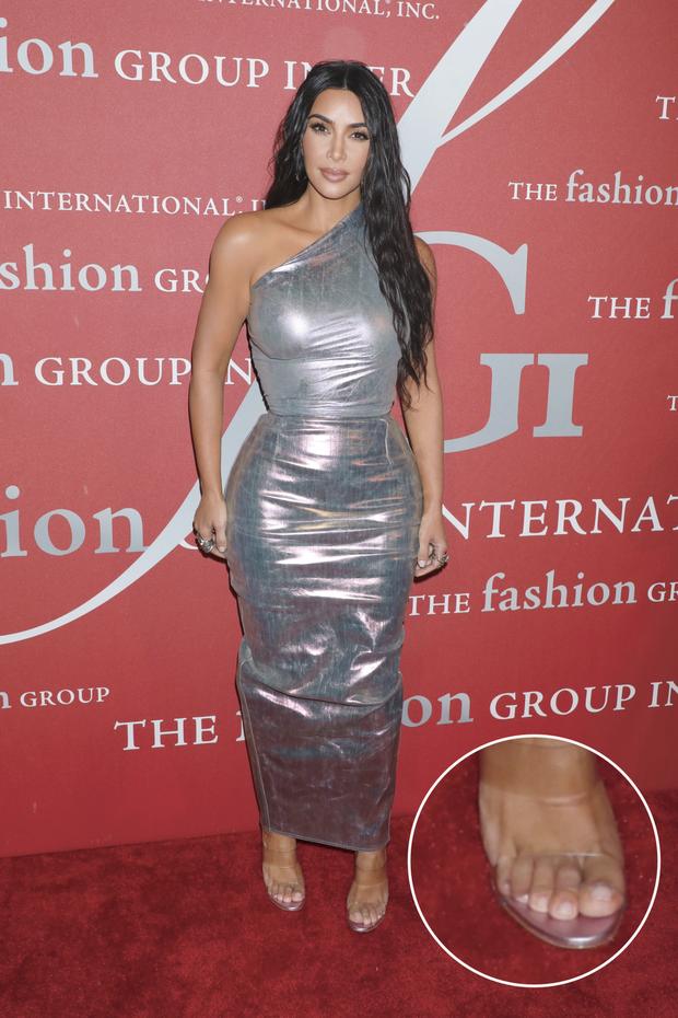 """Bóc tuyển tập chỉnh """"fail lòi"""" của chị em Kardashian: Kim có 6 ngón chân, Kendall – Kylie chiết 1 chi tiết, Khloe fake nhất"""