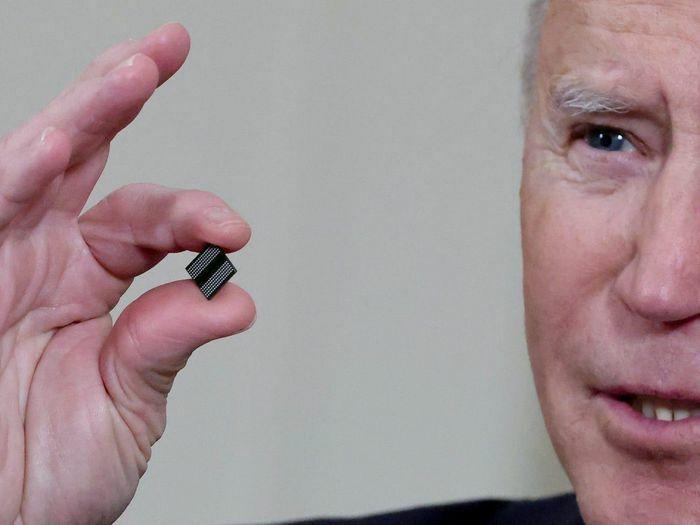 Mỹ chỉ sản xuất 12% chip máy tính của thế giới, tổng thống Joe Biden chi 50 tỷ USD để cải thiện