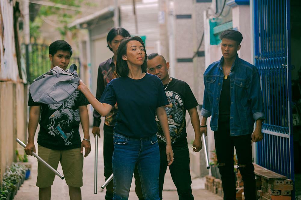 Khánh Vân bất ngờ diễn xuất bên Thu Trang trước khi lên đường dự thi Miss Universe