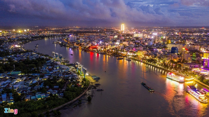Thành phố nào ở miền Tây Nam Bộ, nổi tiếng có nhiều giai nhân?