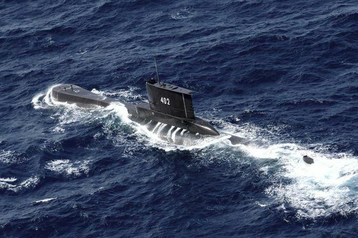 Tàu ngầm Indonesia có khả năng chìm xuống độ sâu 700 mét