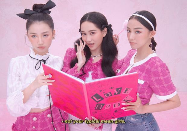 Sao Jennie và Jisoo – Rosé trông lạ nhỉ?