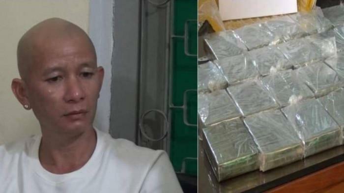 Tin tức pháp luật ngày 15/4: Bắt quả tang gã trai vác đao dài gần 1m, tiêu thụ 30 bánh heroin
