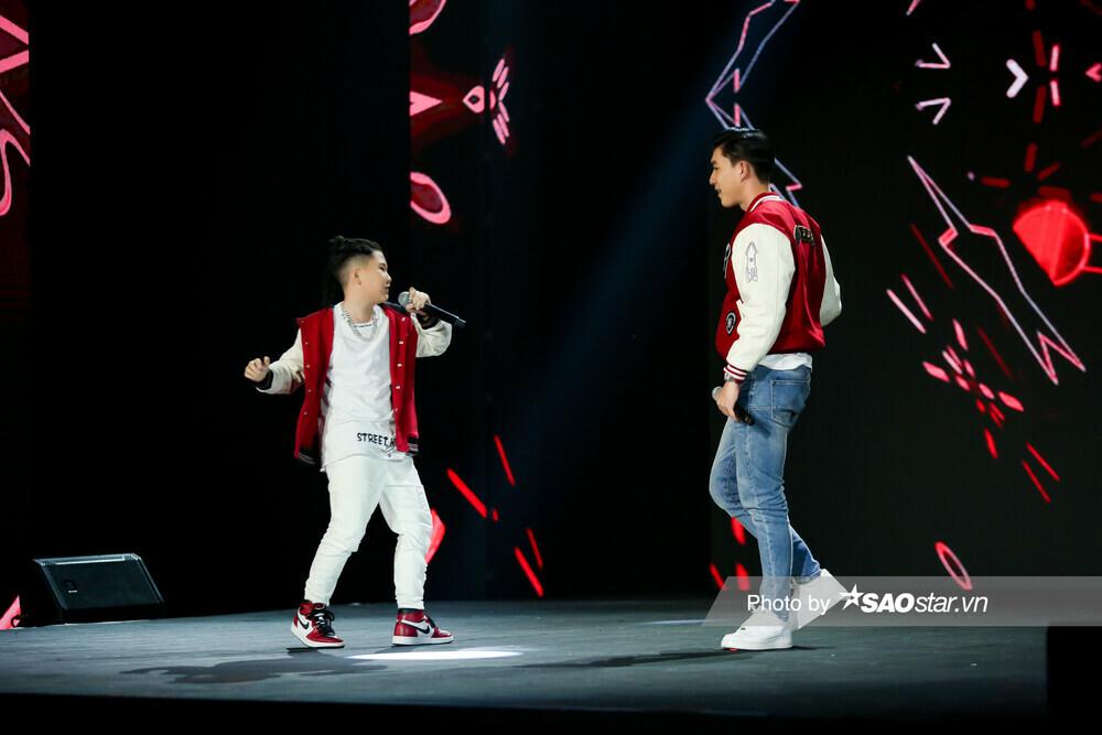 """Cặp hot boy Song Tùng – HIEUTHUHAI mang hit mới """"Đích tôn"""" khuấy động sân khấu GHVN New Generation"""