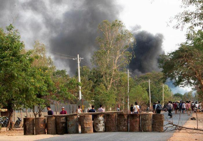 Quân đội Myanmar bị tố dùng súng phóng lựu khiến hơn 80 người thiệt mạng
