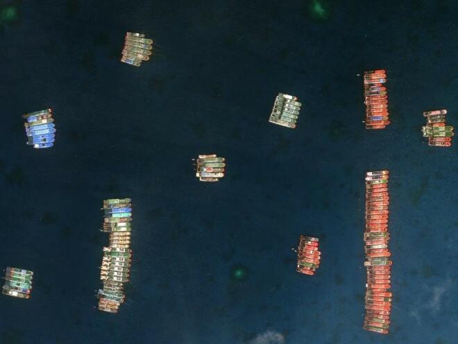 """Đá Ba Đầu: """"Các tàu Trung Quốc tản ra khắp quần đảo Trường Sa"""""""