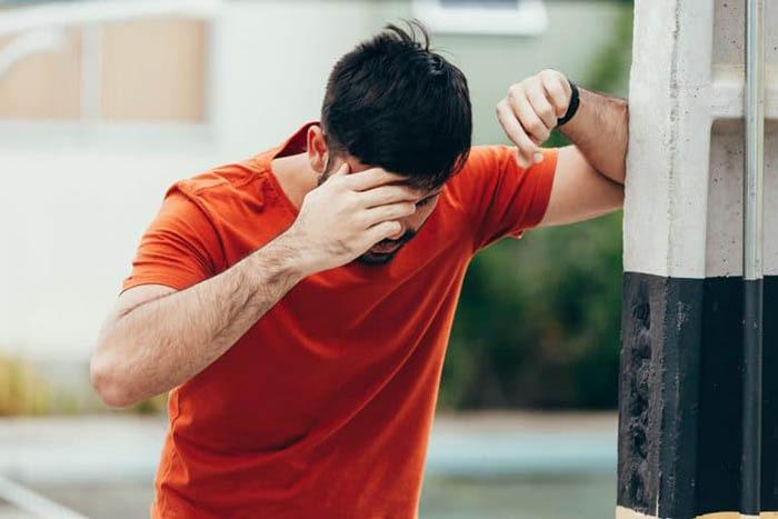 3 triệu chứng xuất hiện ở mặt và đầu vào buổi sáng sớm, coi chừng nhồi máu não tấn công