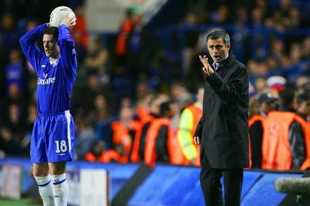 """""""Mourinho chẳng nói từ nào với tôi, thật khắc nghiệt"""""""
