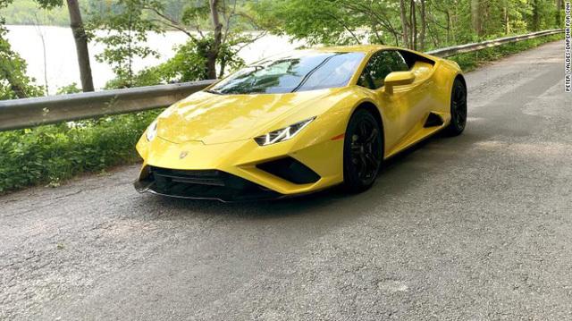 Doanh số bán Bentley và Lamborghini bùng nổ do giới giàu đang cảm thấy nhàm chán