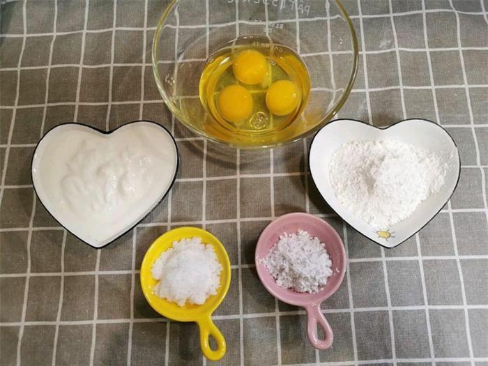 Món trứng hấp sữa chua làm trong nháy mắt, dụ bé ăn đủ các chất dinh dưỡng