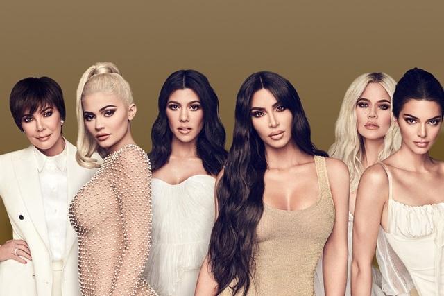 """Nhà Kardashian trong """"cơn bão ly hôn"""": Có một """"kim chỉ nam"""""""