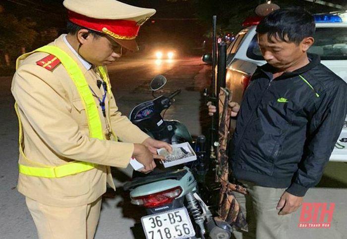 Trạm CSGT Quảng Xương xử lý gần 100 trường hợp vi phạm nồng độ cồn