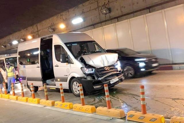 4 ô tô tông liên hoàn trong hầm Thủ Thiêm