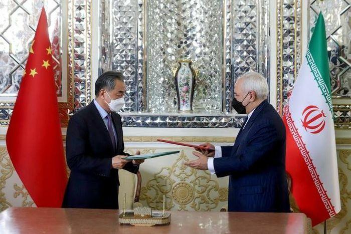 Các nhà lãnh đạo Iran bị gây áp lực vì bí mật của Trung Quốc
